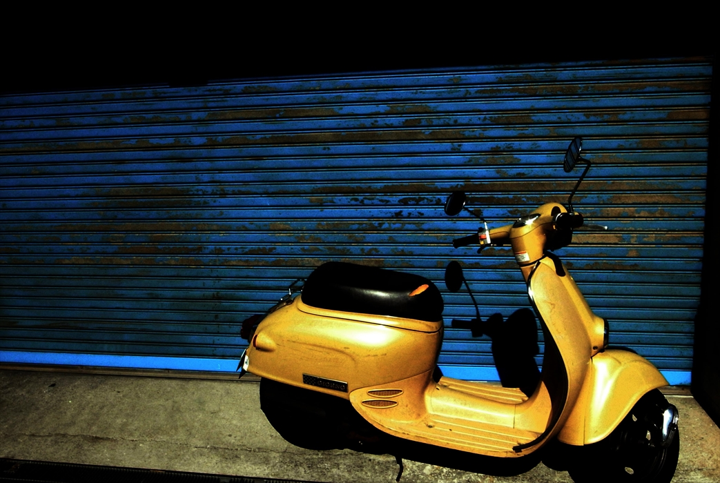 12Yellow scooter_R